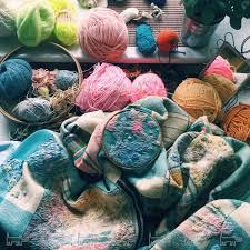 Материалы для вышивания: ткани, нитки и украшения